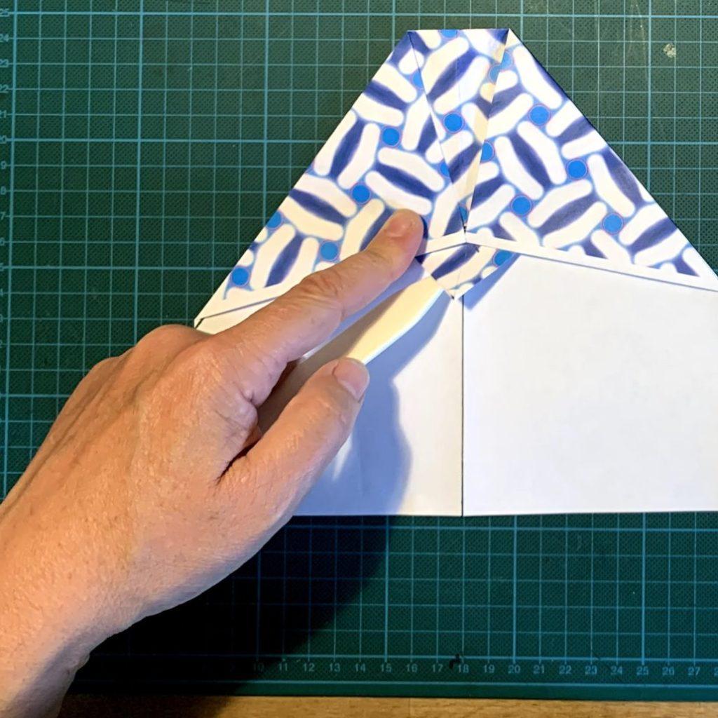 Nakamoro - der perfekte Papierflieger